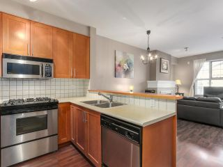 "Photo 2: 1306 4655 VALLEY Drive in Vancouver: Quilchena Condo for sale in ""ALEXANDRA HOUSE"" (Vancouver West)  : MLS®# R2133417"