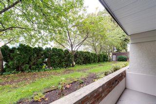 Photo 15: 104 1040 Rockland Ave in Victoria: Vi Downtown Condo for sale : MLS®# 887045