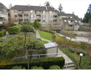 """Photo 1: 407 1000 BOWRON Court in North_Vancouver: Roche Point Condo for sale in """"PARKWAY TERRACE"""" (North Vancouver)  : MLS®# V639394"""