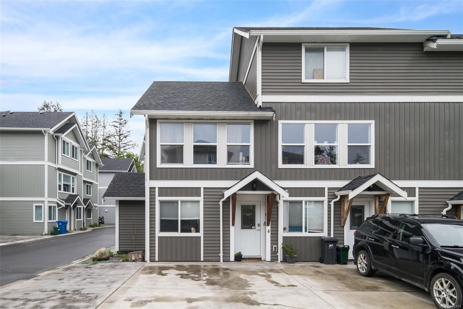Main Photo: 4 6790 W Grant Rd in : Sk Broomhill Row/Townhouse for sale (Sooke)  : MLS®# 875151