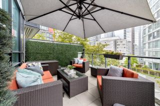 """Photo 2: 302 1189 MELVILLE Street in Vancouver: Coal Harbour Condo for sale in """"THE MELVILLE"""" (Vancouver West)  : MLS®# R2611872"""