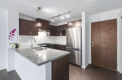 Main Photo: 316 3132 DAYANEE SPRINGS BOULEVARD in Coquitlam: Westwood Plateau Condo for sale : MLS®# R2476878