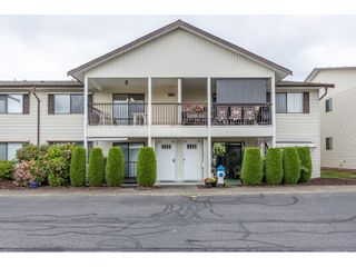 """Photo 1: 63 32959 GEORGE FERGUSON Way in Abbotsford: Central Abbotsford Townhouse for sale in """"OAKHURST"""" : MLS®# R2612971"""