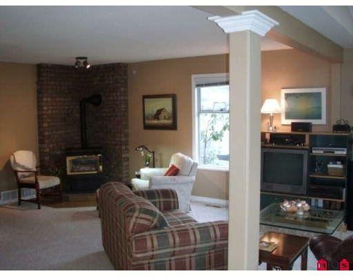 Photo 4: Photos: 16245 SOUTHGLEN PL in Surrey: House for sale : MLS®# F2832603