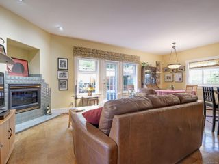 Photo 8: 513 Foul Bay Rd in : Vi Fairfield East House for sale (Victoria)  : MLS®# 871960
