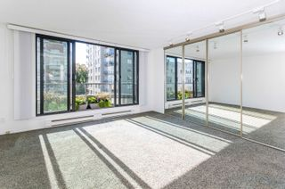 """Photo 12: PH4 1950 ROBSON Street in Vancouver: West End VW Condo for sale in """"THE CHATSWORTH"""" (Vancouver West)  : MLS®# R2619164"""