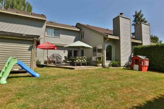 Photo 11: 6143 E GREENSIDE Drive in Surrey: Cloverdale BC Townhouse for sale (Cloverdale)  : MLS®# R2419802