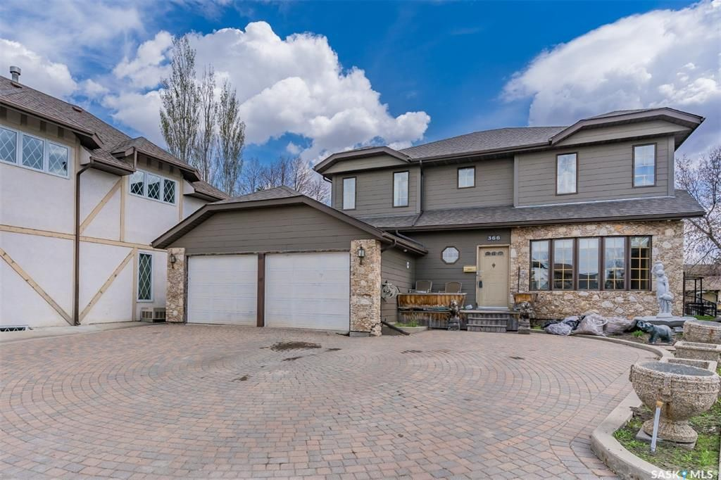 Main Photo: 366 Wakaw Crescent in Saskatoon: Lakeview SA Residential for sale : MLS®# SK855263
