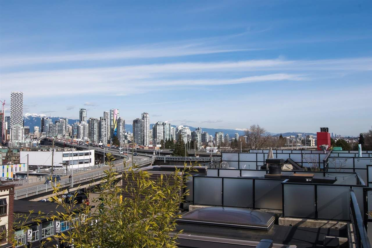 "Photo 36: Photos: 411 1628 W 4TH Avenue in Vancouver: False Creek Condo for sale in ""RADIUS"" (Vancouver West)  : MLS®# R2552543"