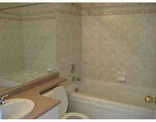 """Photo 5: 413 5888 DOVER Crescent in Richmond: Riverdale RI Condo for sale in """"PELICAN POINT"""" : MLS®# V769131"""