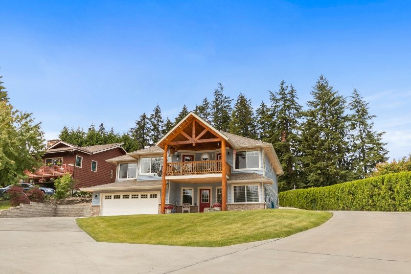 Main Photo: 2384 Mount Tuam Crescent in Blind Bay: Cedar Heights House for sale : MLS®# 10163230