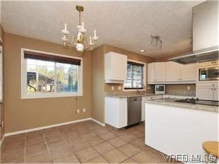 Photo 6: 1290 Les Meadows in VICTORIA: SE Sunnymead Residential for sale (Saanich East)  : MLS®# 324296