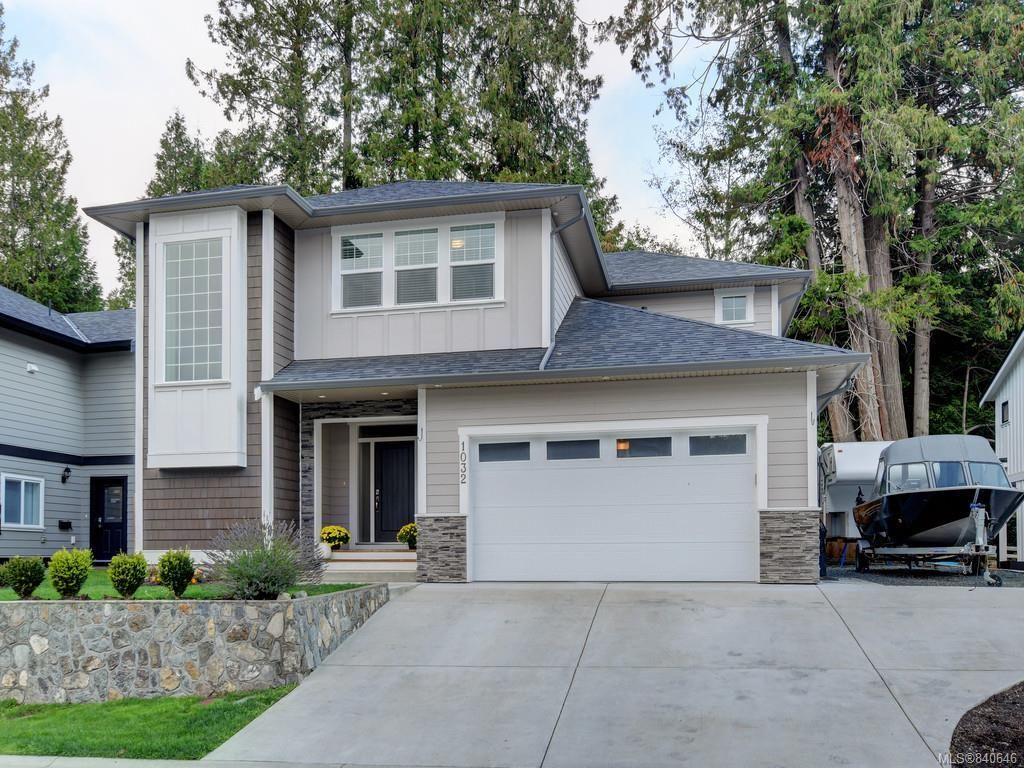 Main Photo: 1032 Deltana Ave in Langford: La Olympic View House for sale : MLS®# 840646