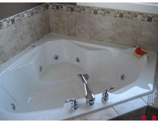 "Photo 5: 27915 SWENSSON Avenue in Abbotsford: Aberdeen House for sale in ""ABERDEEN"" : MLS®# F2809734"
