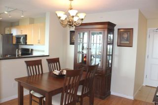 """Photo 7: 1104 6659 SOUTHOAKS Crescent in Burnaby: Highgate Condo  in """"GEMINI 2"""" (Burnaby South)  : MLS®# R2582918"""