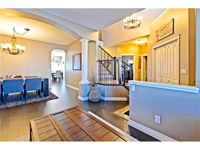 Photo 3: Photos: 186 THORNLEIGH Close SE: Airdrie House for sale : MLS®# C4054671