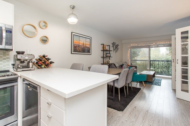 "Main Photo: 206 2033 W 7TH Avenue in Vancouver: Kitsilano Condo for sale in ""Katrina Court"" (Vancouver West)  : MLS®# R2542701"