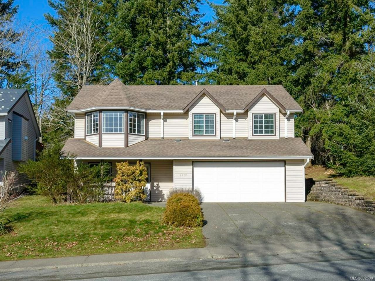 Main Photo: 2272 VALLEY VIEW DRIVE in COURTENAY: CV Courtenay East House for sale (Comox Valley)  : MLS®# 832690