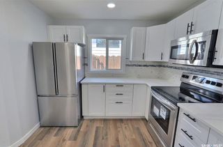 Photo 8: 1360 LaCroix Crescent in Prince Albert: Carlton Park Residential for sale : MLS®# SK868529