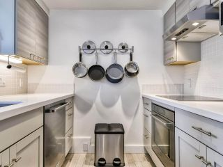 """Photo 8: 1002 1238 MELVILLE Street in Vancouver: Coal Harbour Condo for sale in """"Pointe Claire"""" (Vancouver West)  : MLS®# R2416117"""