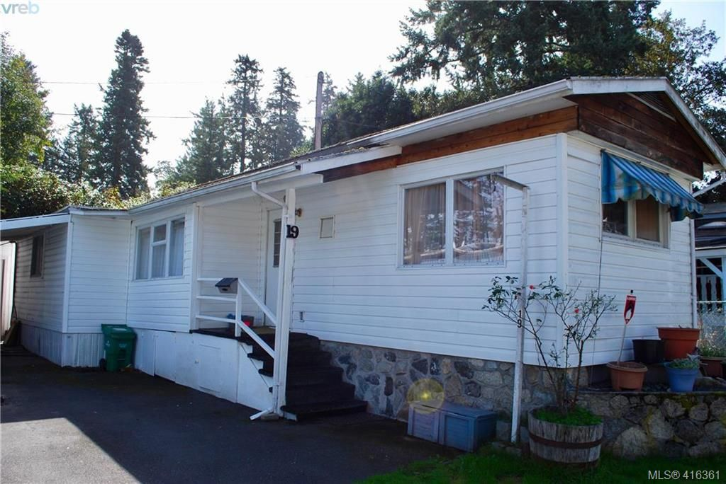 Main Photo: 19 1201 Craigflower Rd in VICTORIA: VR Glentana Manufactured Home for sale (View Royal)  : MLS®# 825952