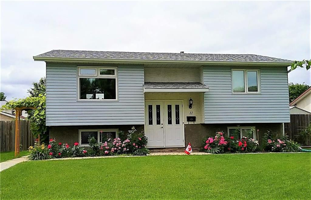 Main Photo: 11 Nugent Road in Winnipeg: Mission Gardens Residential for sale (3K)  : MLS®# 202110432