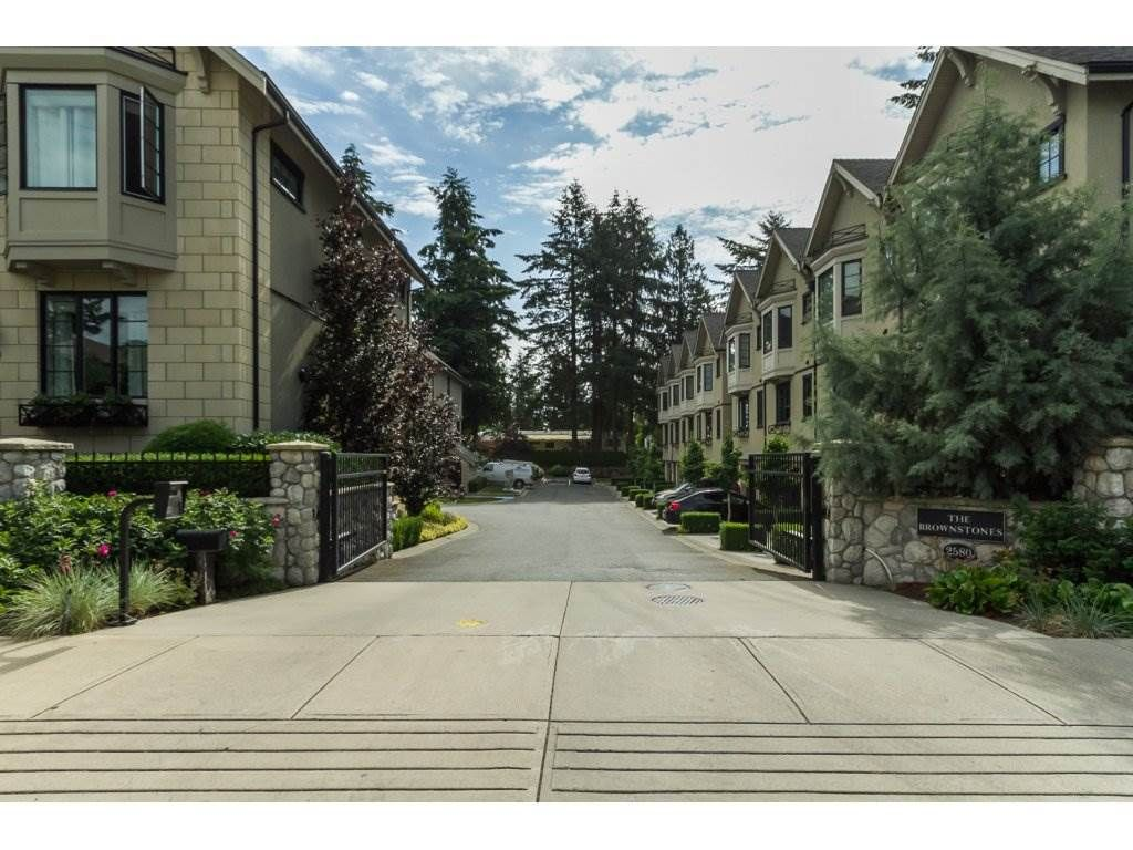 """Main Photo: 629 2580 LANGDON Street in Abbotsford: Abbotsford West Townhouse for sale in """"Brownstones"""" : MLS®# R2077137"""