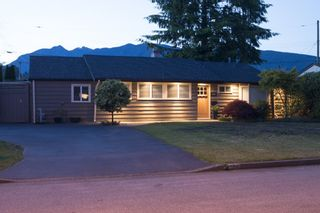 """Photo 1: 1286 MCBRIDE Street in North Vancouver: Norgate House for sale in """"NORGATE"""" : MLS®# R2077212"""