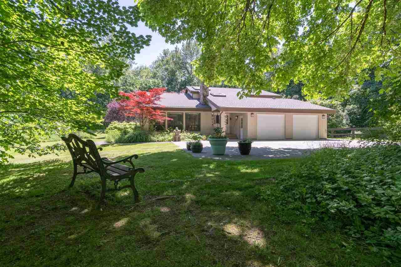 Main Photo: 1240 JUDD Road in Squamish: Brackendale House for sale : MLS®# R2444989