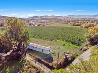 Photo 2: 1102 Pottery Road, in Vernon: Agriculture for sale : MLS®# 10241499