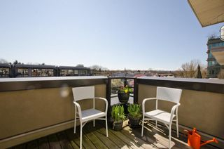 Photo 7: 405 2181 WEST 12TH AVENUE in Carlings: Home for sale