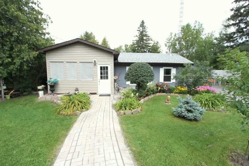 Main Photo: 220 Mcguire Beach Road in Kawartha Lakes: Rural Carden House (Bungalow) for sale : MLS®# X5338564