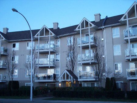 Main Photo: 211 8110 120 A Street: Condo for sale (Queen Mary Park)  : MLS®# F2506139