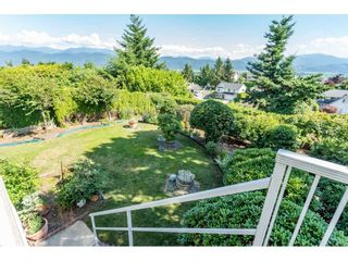 """Photo 18: 2316 MOUNTAIN Drive in Abbotsford: Abbotsford East House for sale in """"MOUNTAIN VILLAGE"""" : MLS®# R2388471"""
