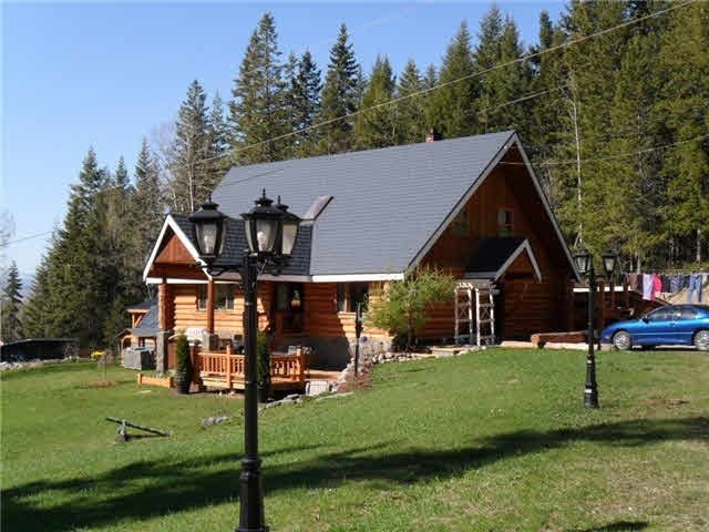 Main Photo: 4503 N 97 Highway in Quesnel: Quesnel - Rural North House for sale (Quesnel (Zone 28))  : MLS®# R2443086