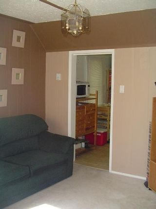 Photo 3: : RED for sale (Montrose)  : MLS®# E3059379