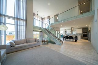 Photo 8: 96 CREEMANS Crescent in Winnipeg: Charleswood Residential for sale (1H)  : MLS®# 202111111