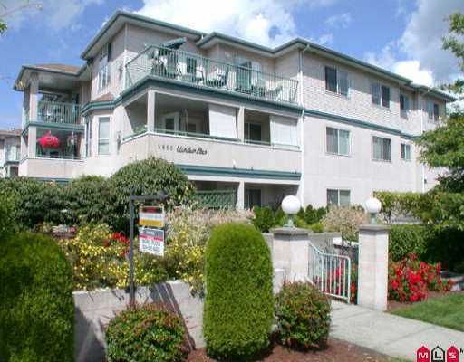 """Main Photo: 303 5955 177B ST in Surrey: Cloverdale BC Condo for sale in """"WINDSOR PLACE"""" (Cloverdale)  : MLS®# F2514916"""