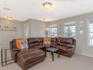 Photo 3: 649 EVERMEADOW Road SW in Calgary: Evergreen Detached for sale : MLS®# C4219450