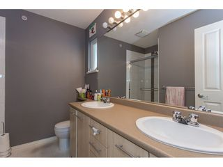 """Photo 14: 40 20560 66 Avenue in Langley: Willoughby Heights Townhouse for sale in """"AMBERLEIGH II"""" : MLS®# R2134449"""