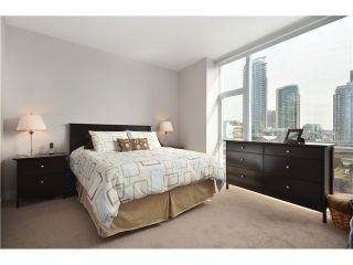 """Photo 10: # 704 1455 HOWE ST in Vancouver: Yaletown Condo for sale in """"POMARIA"""" (Vancouver West)  : MLS®# V1010474"""