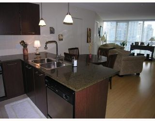 """Photo 2: 1907 1199 SEYMOUR Street in Vancouver: Downtown VW Condo for sale in """"BRAVA"""" (Vancouver West)  : MLS®# V742072"""