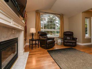Photo 6: 2096 May Rd in COMOX: CV Comox Peninsula House for sale (Comox Valley)  : MLS®# 813161