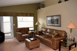 Photo 3: 23 Kenwood Place in Winnipeg: St Vital Residential for sale (2C)  : MLS®# 1906793