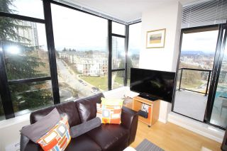 """Photo 7: 805 15 E ROYAL Avenue in New Westminster: Fraserview NW Condo for sale in """"VICTORIA HILL"""" : MLS®# R2145310"""