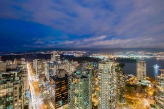 Photo 2: PH5 1288 W GEORGIA Street in Vancouver: West End VW Condo for sale (Vancouver West)  : MLS®# R2580993