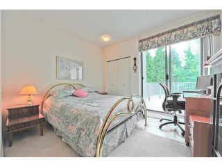 """Photo 13: 303 1705 MARTIN Drive in Surrey: Sunnyside Park Surrey Condo for sale in """"SOUTHWYND"""" (South Surrey White Rock)  : MLS®# F1420126"""