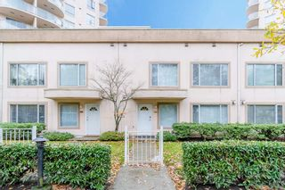 Photo 1: 3 7700 Granville Avenue in Richmond: Brighouse South Townhouse for sale : MLS®# R2234150