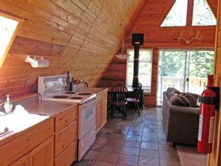 """Photo 8: 7571 CLEARVIEW Road: Deka Lake / Sulphurous / Hathaway Lakes House for sale in """"Deka Lake"""" (100 Mile House (Zone 10))  : MLS®# R2608820"""