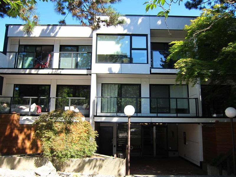 FEATURED LISTING: 106 - 1315 7TH Avenue West Vancouver